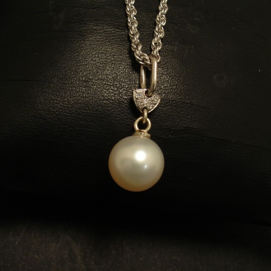 10mm-south-sea-pearl-pendant-diamonds-18ctwhite-02338.jpg