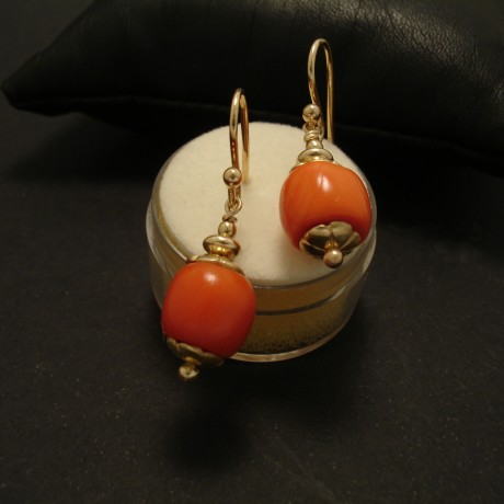 10x9mm-antique-coral-9ctgold-earrings-02458.jpg