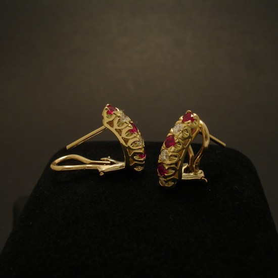 38ct-red-rubies-32ct-diamonds-18ctgold-earstuds-02467.jpg