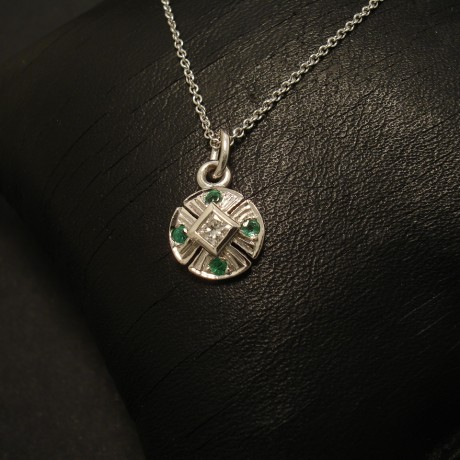 diamond-emeralds-9ctwhite-gold-tiepin-pendant-02557.jpg