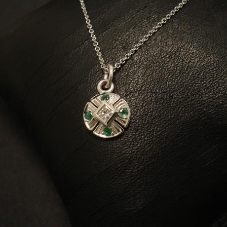 diamond-emeralds-9ctwhite-gold-tiepin-pendant-02557.jpg