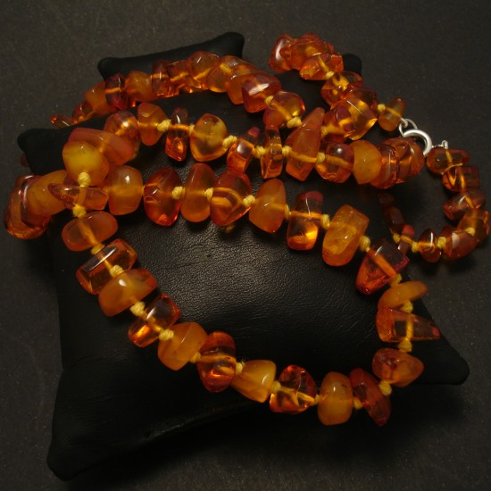 1960s-nugget-baltic-amber-necklace-02428.jpg