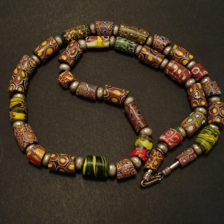 33-venetian-trade-beads-silver-snake-chain-02524.jpg