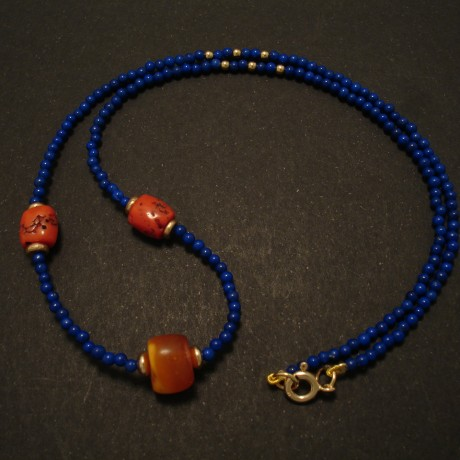 sfghani-lapis-lazuli-amber-corals-9ctgold-necklace-02546.jpg