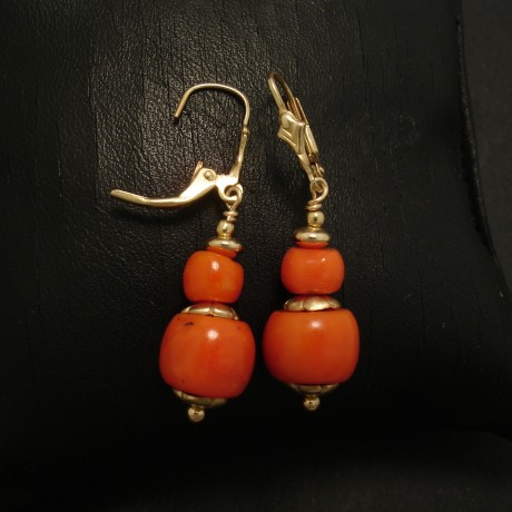 four-gem-quality-natural-coral-gold-earrings-02825.jpg