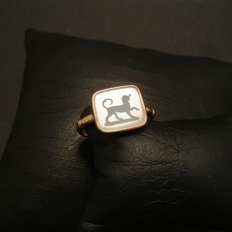 georgian-chalcedony-lion-seal-9rose-ring-02516.jpg