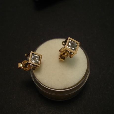 handmade-14ct-gold-earstuds-cz-cage-02383.jpg