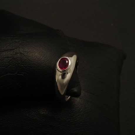 48ct-ruby-white-gold-ring-perfect-form-02587.jpg