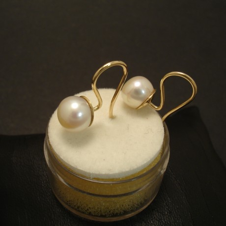 75mm-button-pearls-handmade-fixed-9ctgold-earrings-02650.jpg