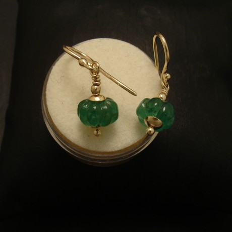 carved-brazilian-emeralds-9ctgold-earrings-02645.jpg