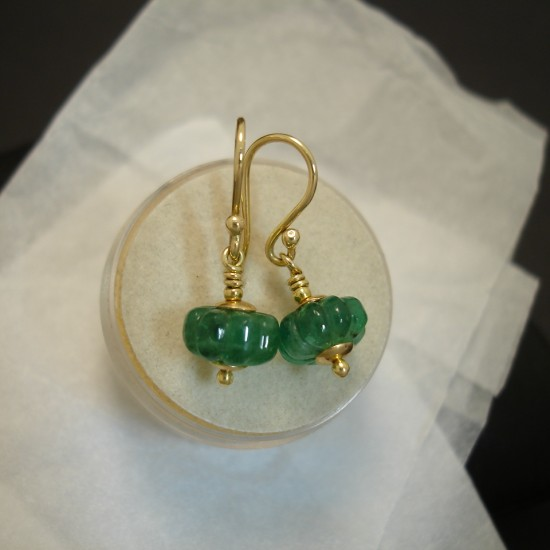 carved-natural-emerald-18ctgold-earrings-04714.jpg