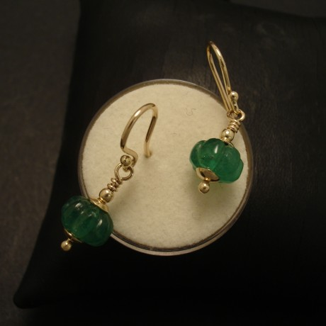 carved-natural-emeralds-9ctgold-earrings-02644.jpg