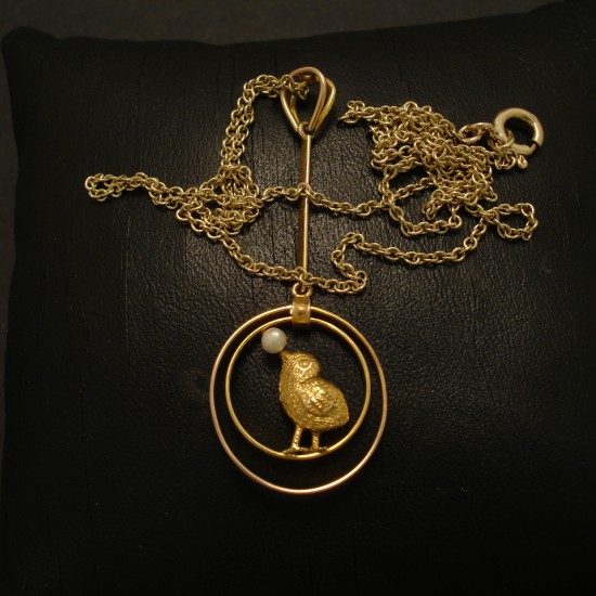 edwardian-cute-gold-birdie-pendant-02709.jpg