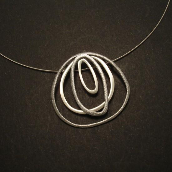 fluid-irregular-form-silver-pendant-steel-cable-02740.jpg