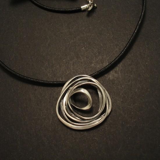 fluid-irregular-form-silver-pendant-leather-02739.jpg