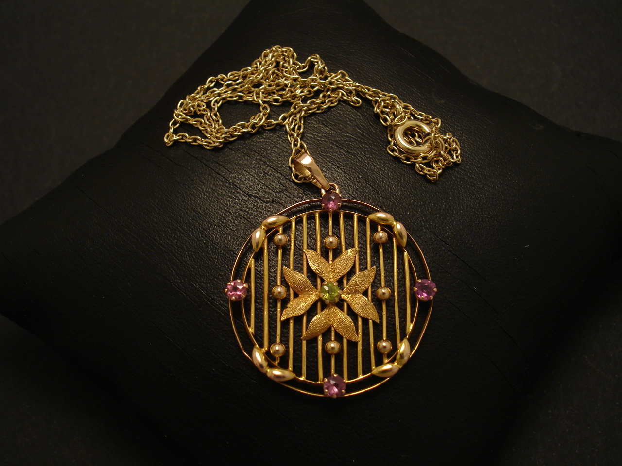 chain design watch with youtube pendant gold