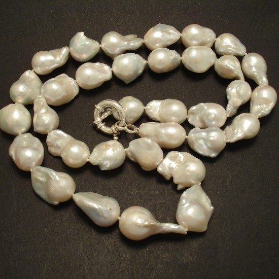 long-large-freshwater-baroque-pearl-necklace-02823.jpg