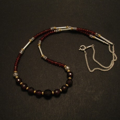 mozambique-garnet-gemstones-silver-necklace-02779.jpg