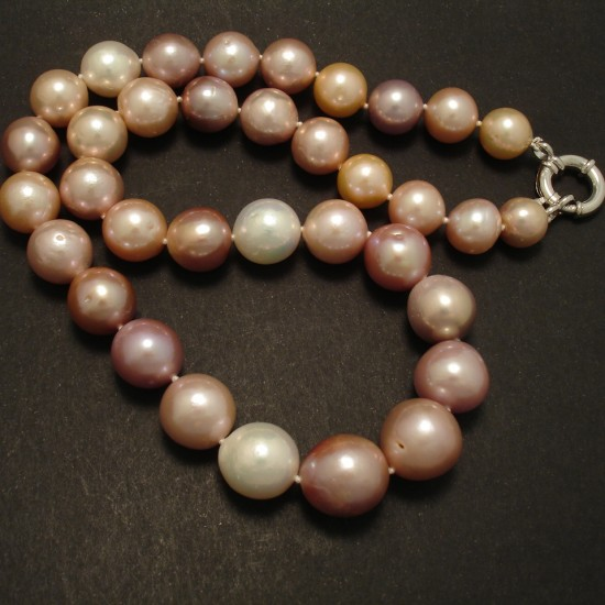 muted-natural-freshwater-pearl-colours-necklace-02822.jpg