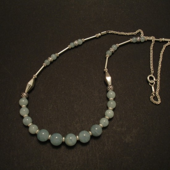 pale-natural-aquamarine-silver-necklace-02778.jpg