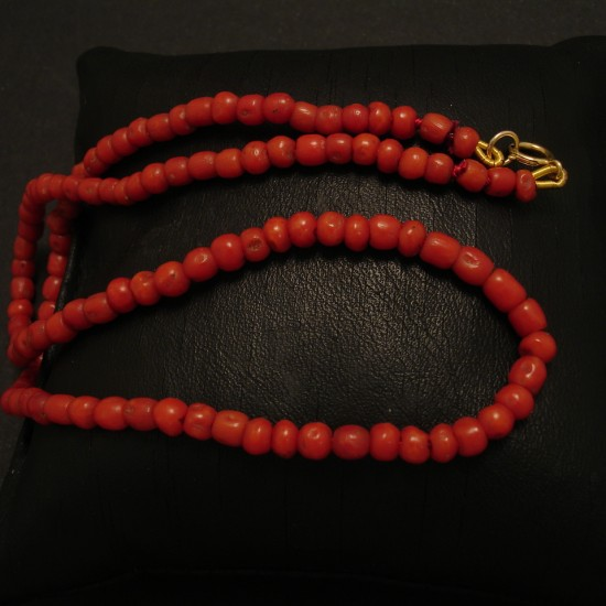 small-dark-red-coral-strand-old-native-cut-02635.jpg