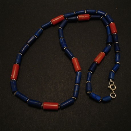 stong-contrast-lapis-coral-necklace-02614.jpg