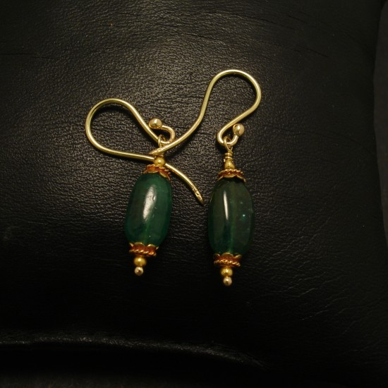 translucent-natural-emerald-pebble-18ctgold-earrings-02188.jpg