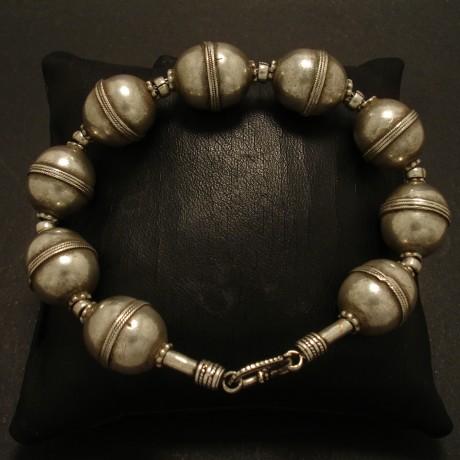 turkmeni-silver-bead-bracelet-02677.jpg