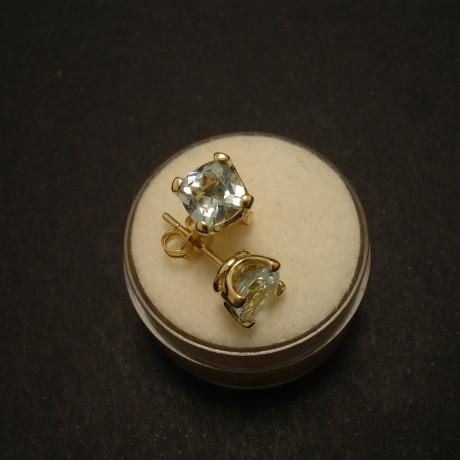174cts-aquamarine-cushions-18ctgold-earstuds.02578.jpg