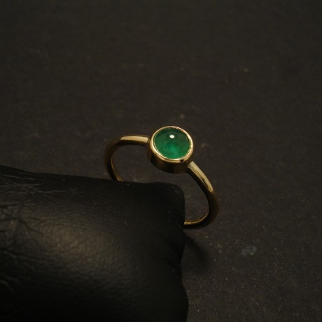 68ct-cabochon-emerald-hmade-18ctgold-ring-simple-02011.jpg
