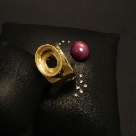 big-star-ruby-big-custom-made-18ctgold-ring-02569.jpg