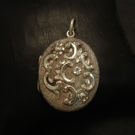 embossed-french-antique-silver-locket-02711.jpg