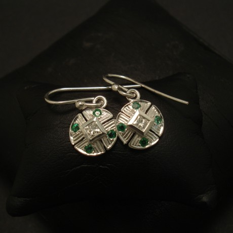 mid-green-natural-emeralds-diamonds-9ctwhite-gold0earrings-03384.jpg
