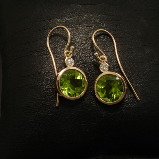 9mm-green-peridot-diamonds-hmade-9ctgold-earrings-02600.jpg