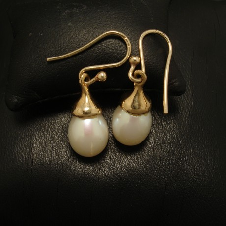 matched-teardrop -9mmpearls-9ctgold-earrings-02476.jpg