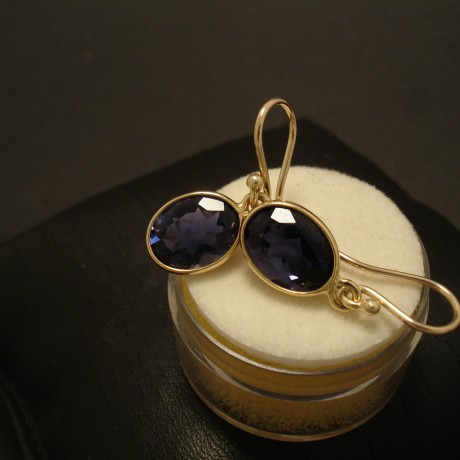 water-sapphire-iolite-9ctgold-earrings-02656.jpg