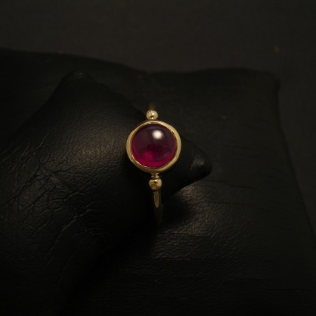 208ct-ruby-cab-hmade-18ctgold-ring-02589.jpg
