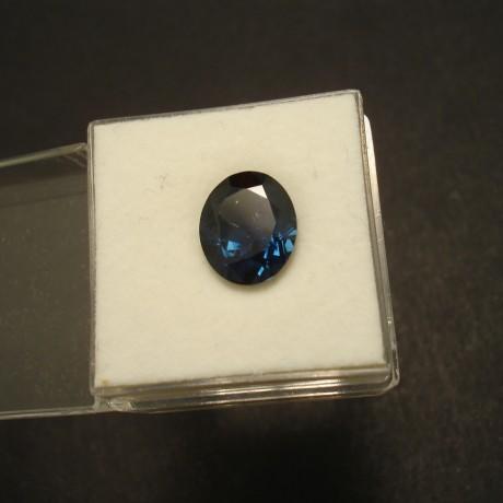 325ct-australian-blue-sapphire-oval-02928.jpg