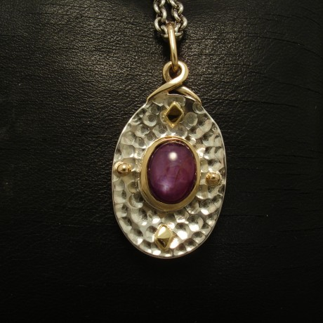 387ct-oval-star-ruby-silver-gold-pendant-02880.jpg