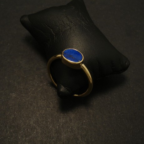 deep-natural-blue-lapis-oval-flat-18ctgold-ring-02046.jpg