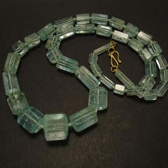 76gms-natural-aquamarine-barrel-bead-necklace-03132.jpg