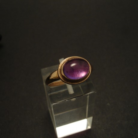 9x7mm-amethyst-cabochon-9ctrose-gold-ring-02958.jpg