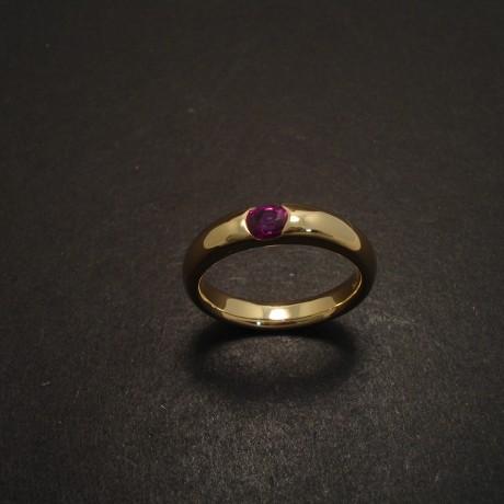 less-plain-please-18ctgold-ruby-ring-05794.jpg