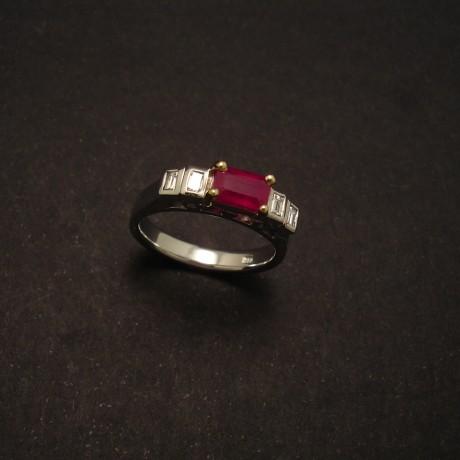 replicate-white-gold-ruby-ring-yellow-gold-00180.jpg