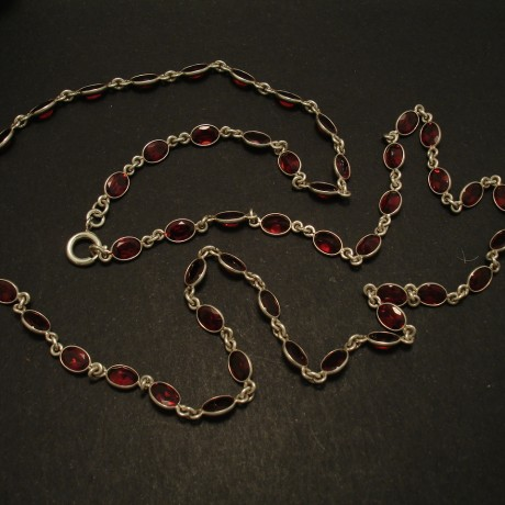 50-garnets-silver-chain-necklace-03210.jpg
