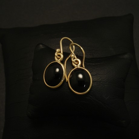 9x7mm-black-onyx-simple-9ctgold-earrings-03230.jpg