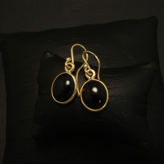 9x7mm-black-onyx-simple-9ctgold-earrings-03230.jpg