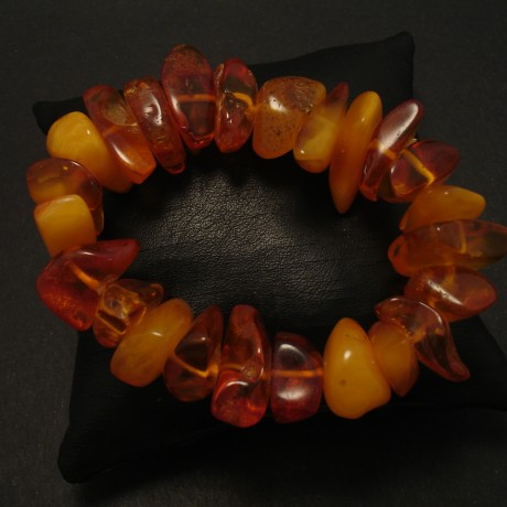 amber-chunks-elasticised-bracelet-03141.jpg