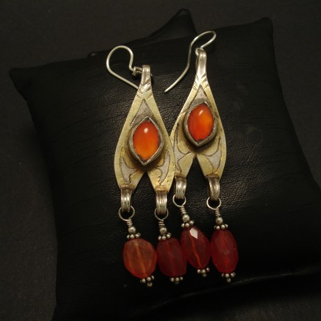 handworked-turkmeni-tribal-silver-pendant-earrings-03224.jpg