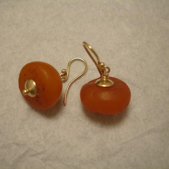 matched-old-tibetan-butter-amber-gold-earrings-04942.jpg